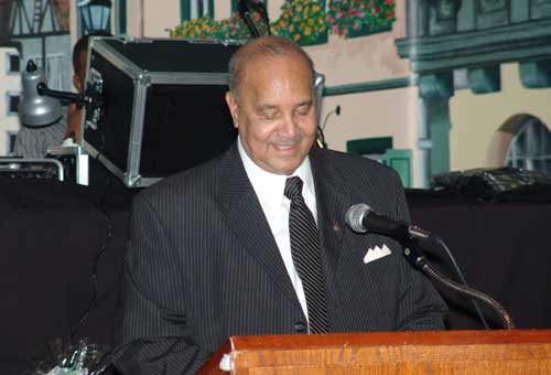 Lyle Browning makes his acceptance speech at the annual Black Community Leadership Award Banquet � Photo Courtesy of Jim Allen